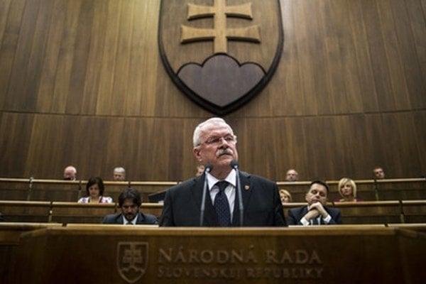 Novelu Ústavy podpísal ešte bývalý prezident Ivan Gašparovič.