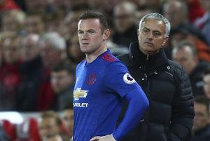 José Mourinho (vpravo) vyjadril s bodom spokojnosť.