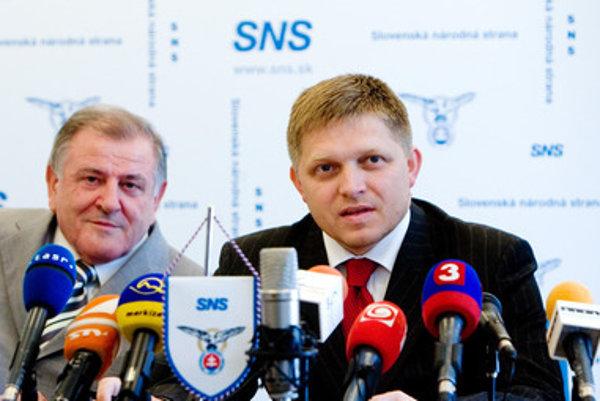 Opozícia tvrdí, že Vladimíra Mečiara ochránil nečinnosťou pred stíhaním za amnestia aj premiér Robert Fico zo Smeru.