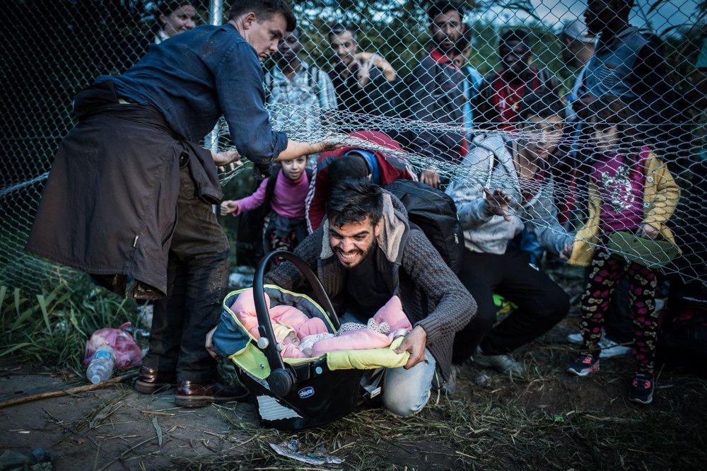REPORTÁŽ, 2. miesto - JOZEF JAKUBČO, séria Keď Maďari zatvorili hranice