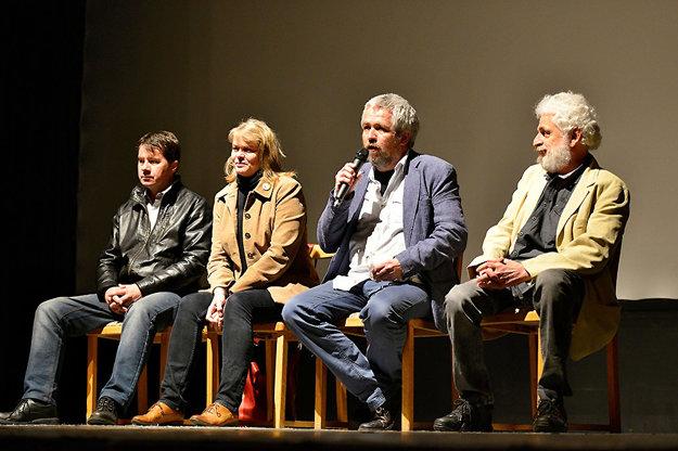 Koncert a diskusie proti fašizmu, diskusie so študentmi.