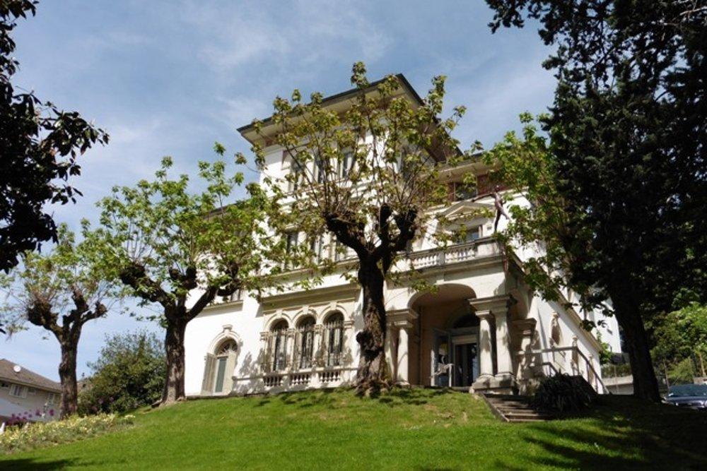 Faurovo múzeum vo francúzskom kúpeľnom meste Aix-les-Bains vlastní druhú najväčšiu zbierku Rodinových diel na svete.
