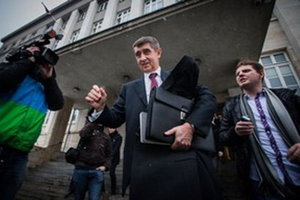Andrej Babiš sa u nás súdi, že nebol agentom, v Česku zmenili zákon, aby sa mohol stať ministrom.