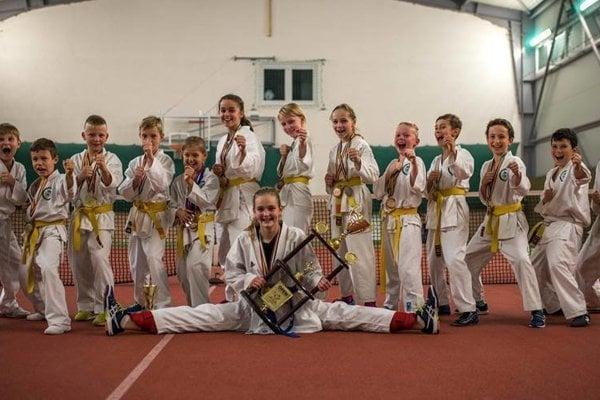 Prešov Karate Kids si doniesli domov 19 medailí.