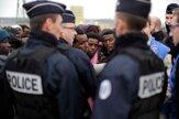 Džungľa pomaly mizne. Francúzi likvidujú utečenecký tábor