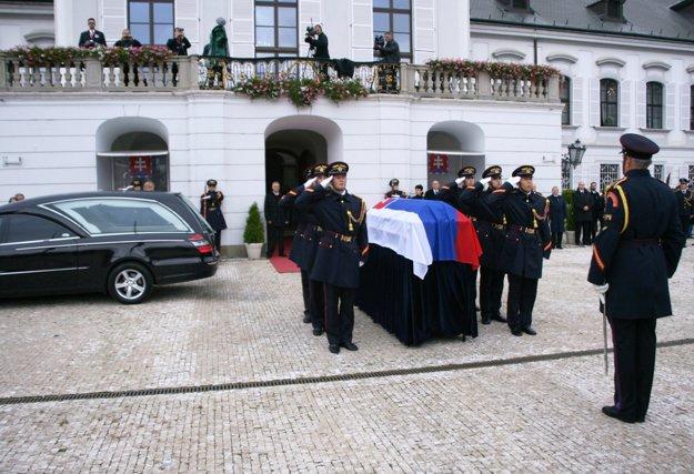 Pohreb Michala Kováča.