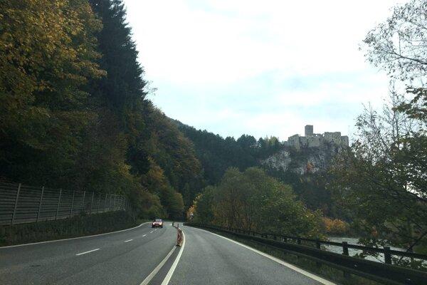 Najskloňovanejšia cesta na Slovensku sa čoskoro uzavrie.