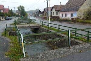 Sklabiňa má až 27 mostov, ktoré tiež potrebujú opravu.