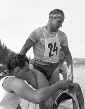 Jan Matocha v júni 1949 v cieli preteku České Budějovice - Praha, dlhého 188 kilometrov.