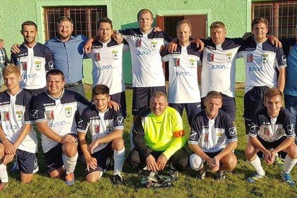 FK Malý Lipník. Kolektív Malolipníčanov si vokresnej VI. lige počínal suverénne.