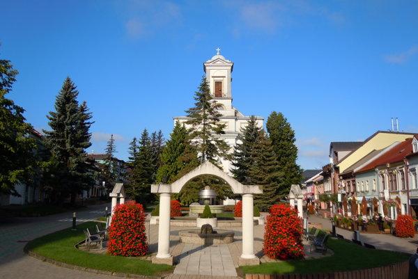 Evanjelický Kostol svätej Trojice. Je kultúrna pamiatka postavená vprvej polovici 19. storočia.