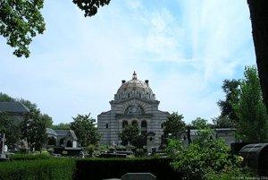 Súčasťou cintorína Père Lachaise je aj krematórium.