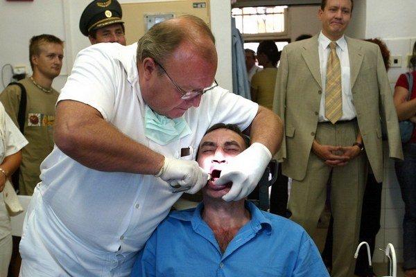 Zubár sa vo väzení zapotí.