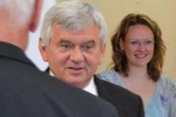 Ľubomír Jahnátek a šéfka jeho kancelárie Monika Pôbišová.