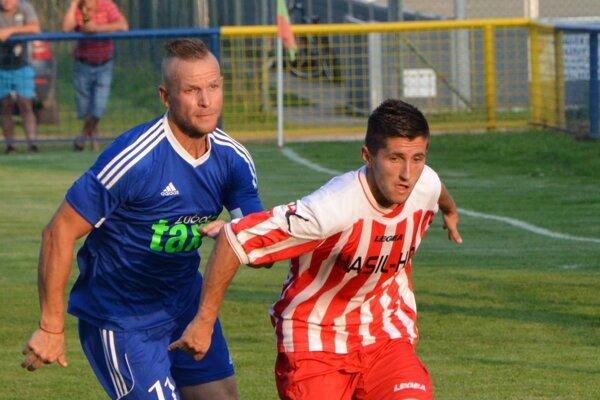 Ján Boldiš (vpravo) strelil v domácom zápase dva góly.