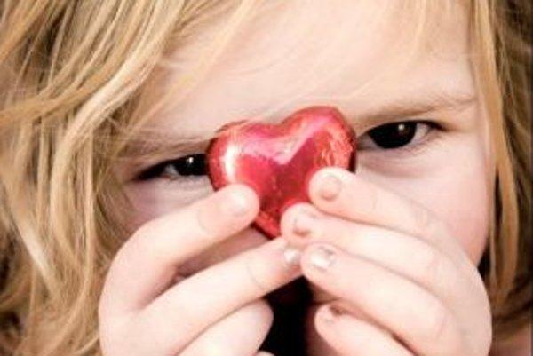 Aj nedostatok záujmu zo strany rodičov alebo, naopak, príliš úzkostlivá výchova môžu viesť u detí k obezite.