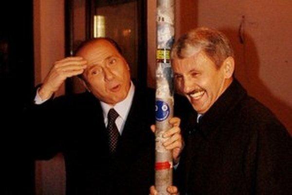 Mikuláš Dzurinda so Silviom Berlusconim zašli po večeri na prechádzku do bratislavského Starého Mesta.