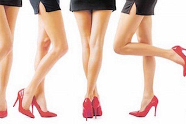 Kĺbom neprospieva ani časté nosenie topánok s vysokými podpätkami.