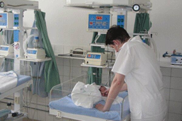 V bojnickej pôrodnici prišlo v minulom roku na svet 922 detí.