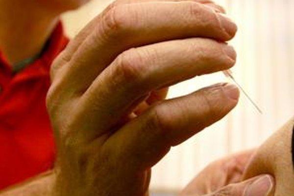 Lekári mierny nárast ochorení na chrípku očakávajú v decembri. Podľa dlhoročných sledovaní sa počet ochorení zvyšuje v januári a začiatkom februára kulminuje a mení sa v epidémiu.