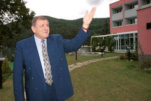 Vladimír Mečiar v penzióne Elektra v Trenčianskych Tepliciach 29.augusta 2001.