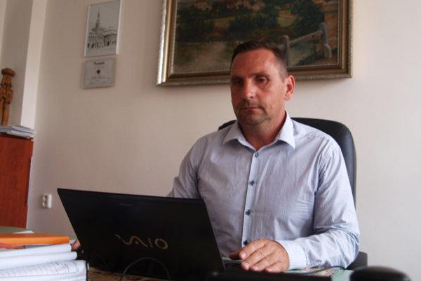 Poslanec za Most - Híd v parlamente a žiarsky primátor.
