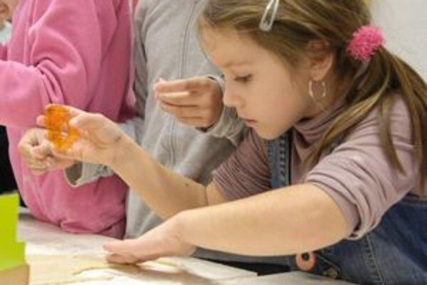 Deti v súkromných školách dostanú po novom viac peňazí.