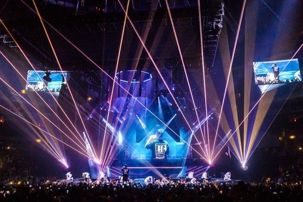 O2 aréna. Po príchode na koncert z trinásťročnej Košičanky tréma opadla.