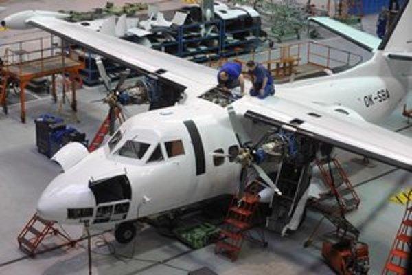 Výroba lietadla, aké pre armádu nakúpil minister Martin Glváč.