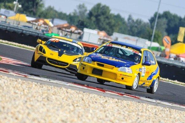 Michalovský pretekár Pavol Dlugoš vakcii. Má za sebou tretí súťažný rok, premiérovo jazdil na vozidle Honda Civic.