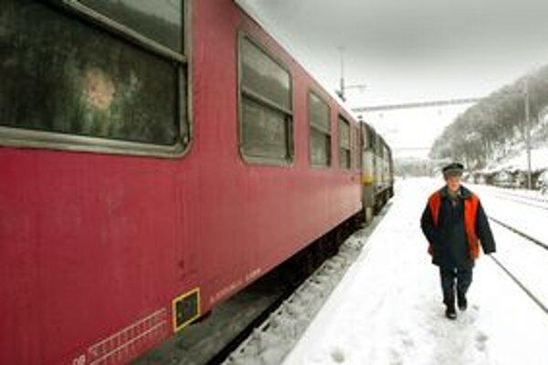Vlaky jazdia podľa harmonogramu.