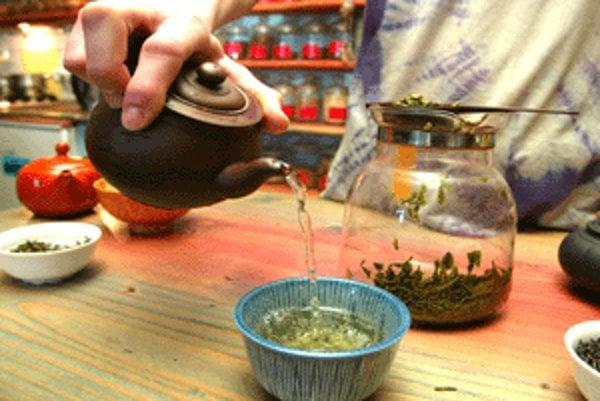 Chuť čaju ovplyvňuje aj jeho príprava.