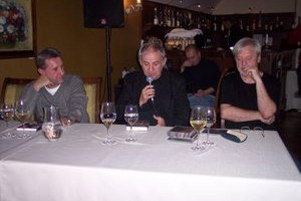 Zaspomínať si prišli Rasťo Piško, Juraj Šebo a Ľubo Belák (zľava).