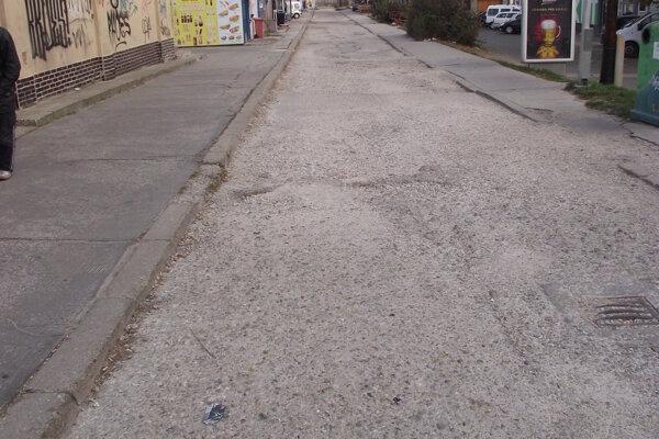 Cesta je v zlom stave už dlhé roky.
