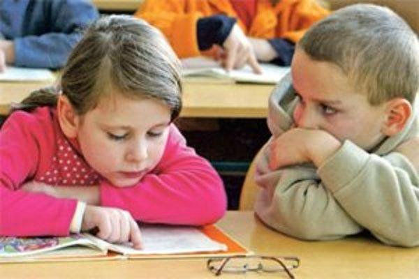 Technológie aj prísna výchova ovplyvňujú našu schopnosť rozprávať sa.
