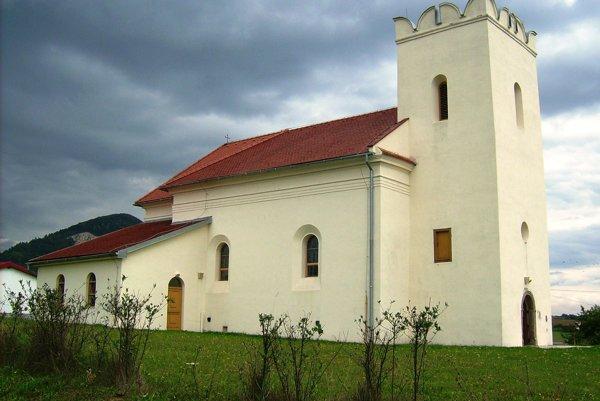 Pohľad zo severu na kostol sv. Juraja.