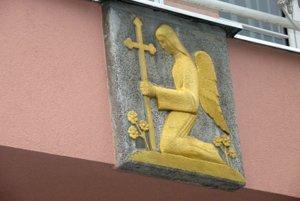 Námetom na pomenovanie ocenenia je anjel v erbe mesta.