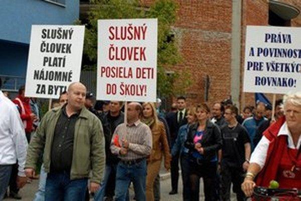 Protestného pochodu v Partizánskom sa počas víkendu zúčastnilo viac ako 3-tisíc ľudí.