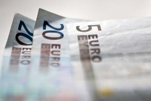 Ak odídu z účtu až 1. apríla, dane sa nepovažujú za uhradené v lehote a daňovému subjektu vzniká nedoplatok, upozorňuje Finančné riaditeľstvo.