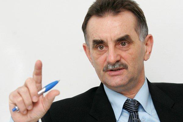 Kupujúci už dnes dobre sledujú trh, hovorí analytik Mikuláš Cár.