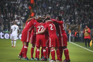 Na snímke hráči Benfici oslavujú gól v zápase LIgy majstrov (ilustračná foto).