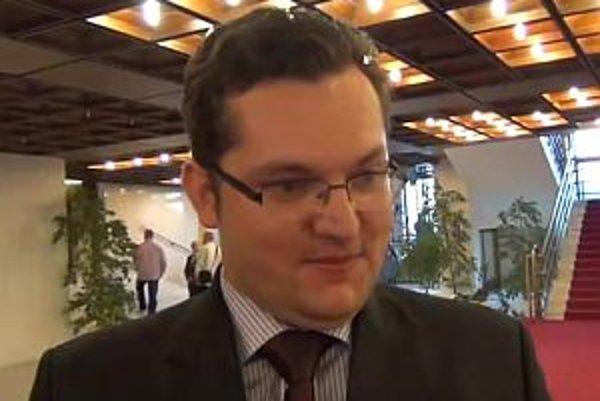 Andrej Kolesík tvrdí, že bol zaskočený kritickou otázkou.