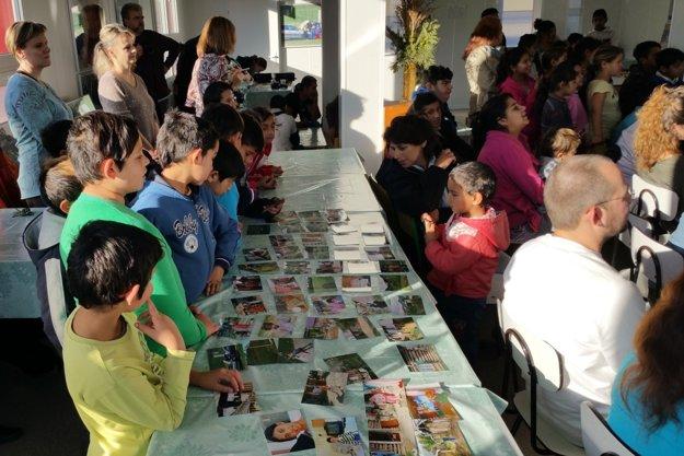 Na projekte Fotoroma sa od marca do decembra tohto roka zúčastnilo 25 mladých ľudí z Jelšavy a osady Rúbanka pri Muránskej Dlhej Lúke v okrese Revúca.