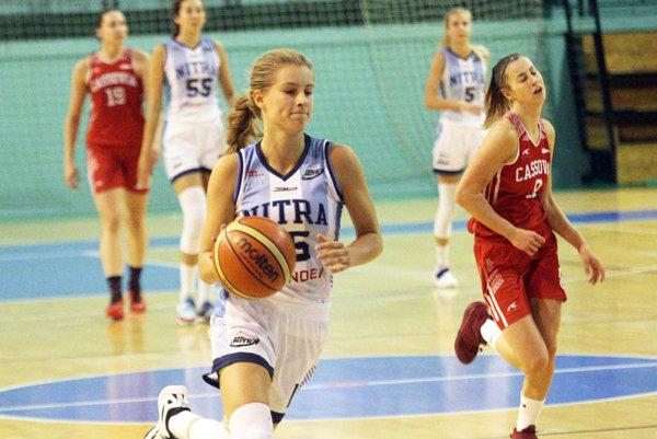 Nikola Kováčiková bola s 25 bodmi najlepšou strelkyňou Nitry v Košiciach.
