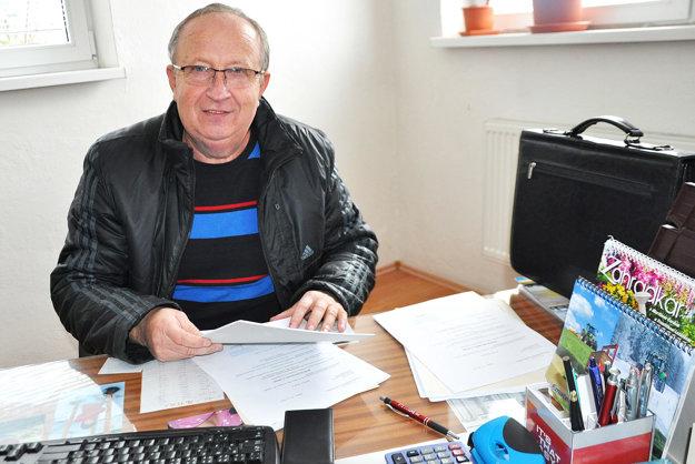 Predseda poľnohospodárskeho družstva Ján Zachar.