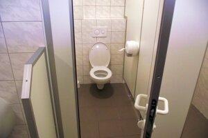 Nové toalety budú do konca decembra zadarmo.