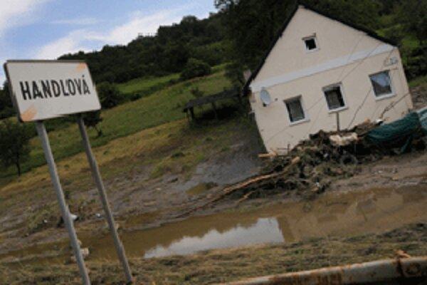 Voda zanechala v Handlovej spúšť. Pomoc armády bola nevyhnutná.