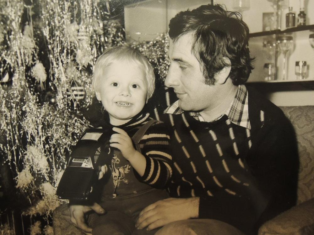 """S legendárnou tatrovkou. """"V roku 1978 som našiel pod vianočným stromčekom plastovú tatrovku, ktorá je dnes opäť v móde,"""" zaspomínal si Jozef Nagy."""