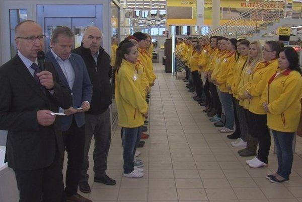 V novom nákupnom centre nájdu prácu desiatky ľudí.