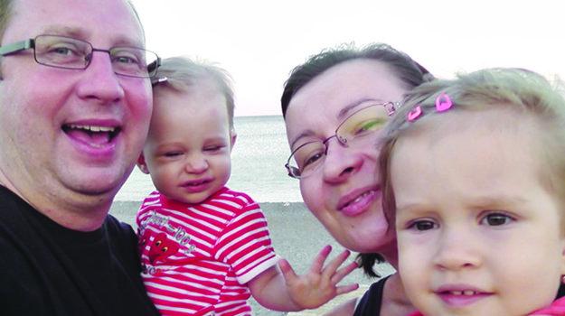 S rodinkou. S manželkou a dvoma dcérkami.